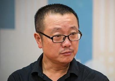 """""""多面""""刘慈欣:科学家、影评人or未来预测者?"""