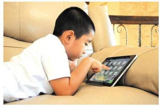 孩子玩手机 家长怎么办?